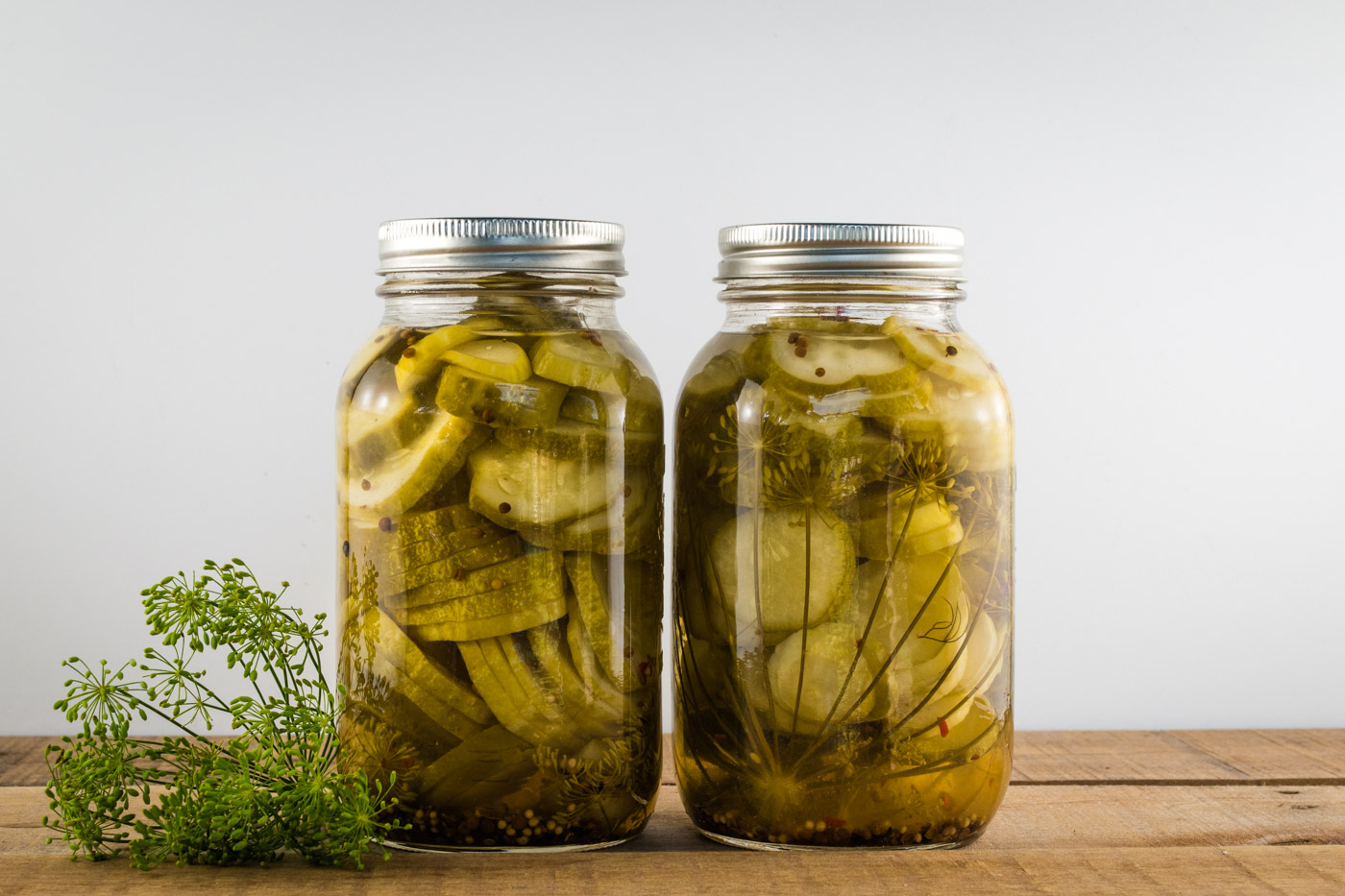 Sliced round dill pickles perfect for hamburgers