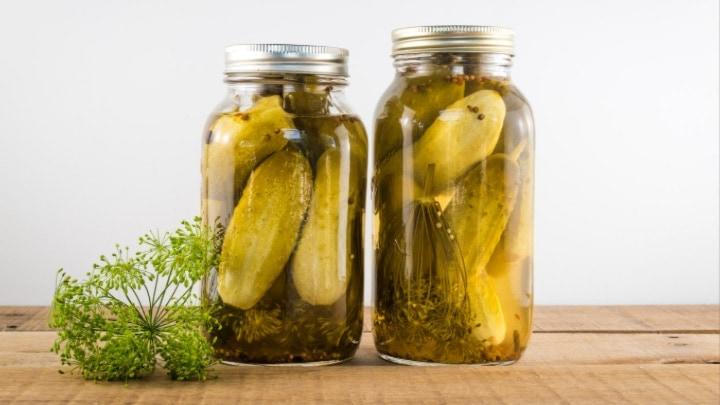 Easy Garlic Dill Pickles Recipe